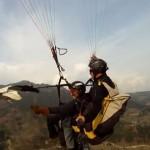 鷹と一緒にパラシュートで大空を舞う「パラホーキング」が楽しそう