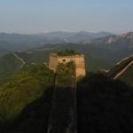 【画像】かなり危険な万里の長城ハイキングストーリー