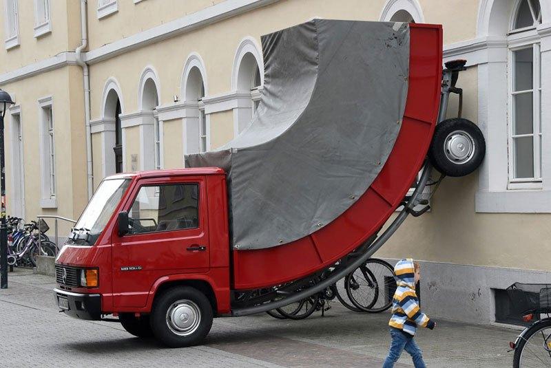 街中アート 駐車違反