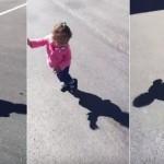 【動画】自分の影に怯えまくる少女が微笑ましすぎる