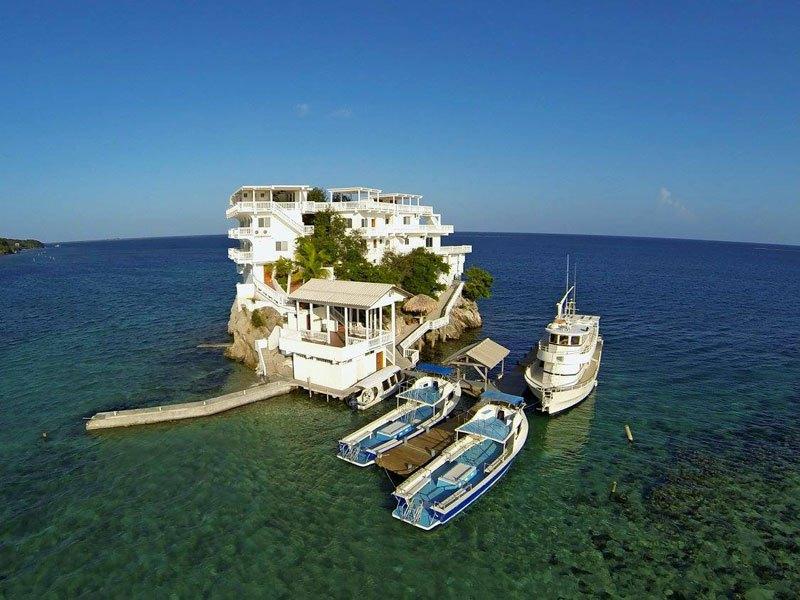 グアナハ島 海上リゾート2