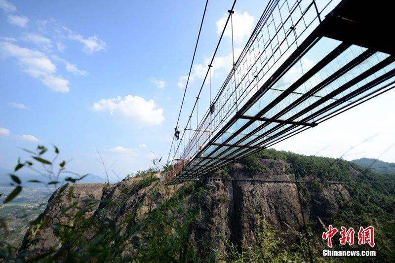 中国 ガラス橋2
