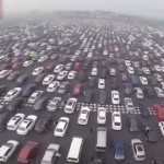 【動画】中国の連休Uターンラッシュがカオスすぎて笑えない