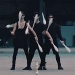 【動画】3人が完璧にシンクロするアーティスティックなトスジャグリング