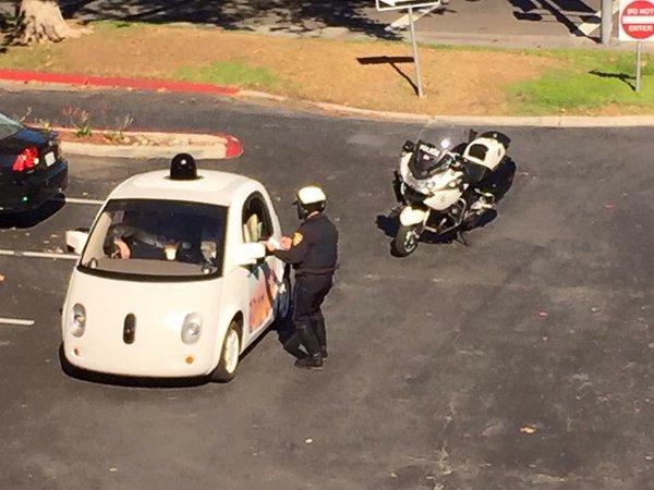 Google自動運転車 警察
