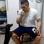 【リバースサイコロジー】犬に薬を飲ませる画期的な方法?