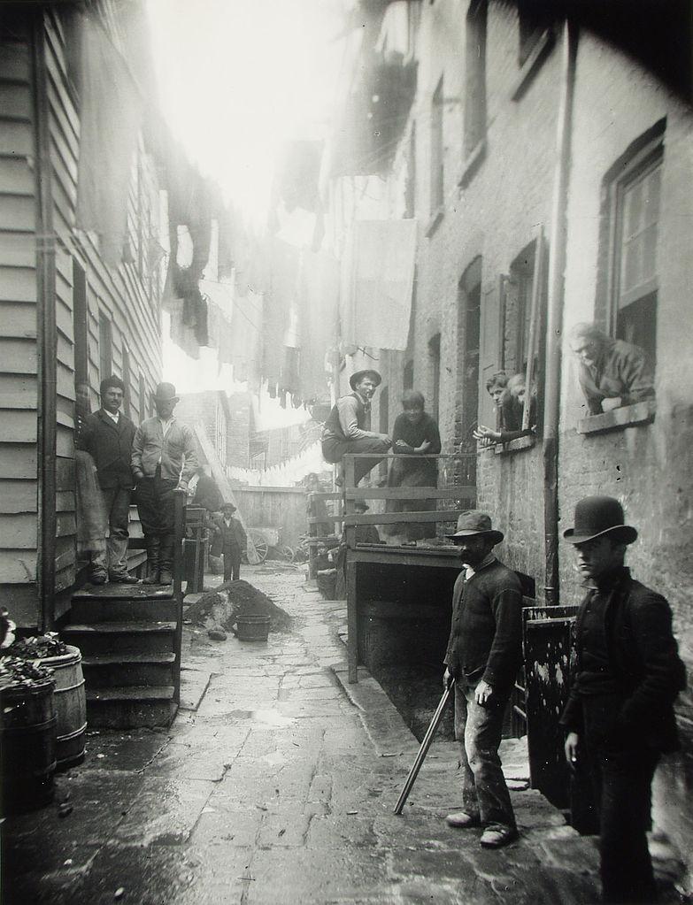 マルベリー・ストリート 裏路地 1888年