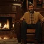 ダンディなおじさんが暖炉の隣で延々とウイスキーを堪能する45分動画が話題