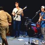 とあるバンドがライブのダンサー用にコミュニティサイトで中年男性を雇ってみた結果