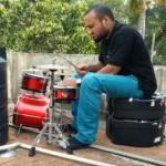 【動画】貯水槽のオンボロパイプとドラムでジャムセッション