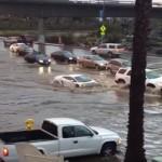 【カリフォルニア洪水】冠水した道路を突き進む強気なランボルギーニ