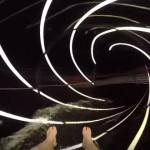 【動画】時空間のようなチューブを滑り抜ける豪華客船のウォータースライダー