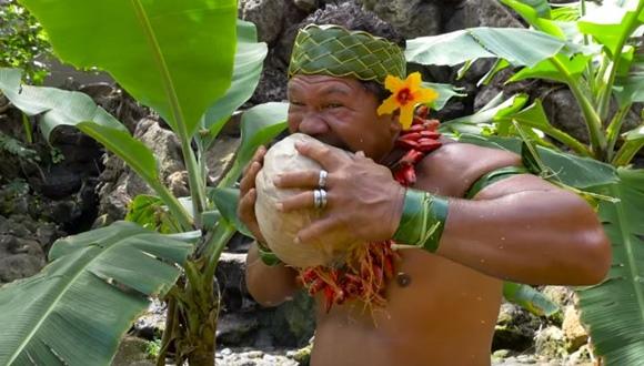 ココナッツ 素手