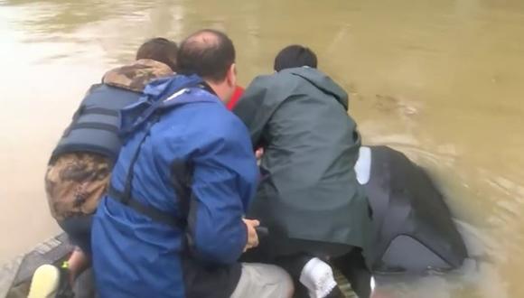 洪水 救出