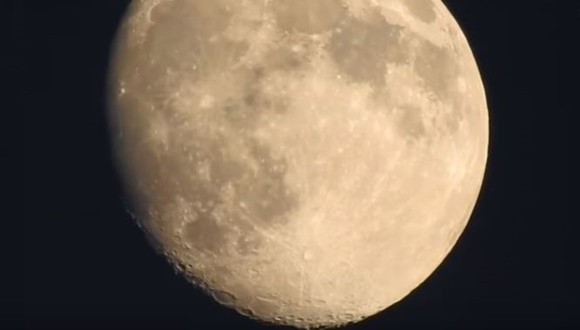 月 デジカメ