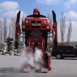 BMWがロボに変身!トルコの技術者がリアルトランスフォーマーを製作