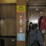 【動画】チェコ・プラハの止まらないエレベーター